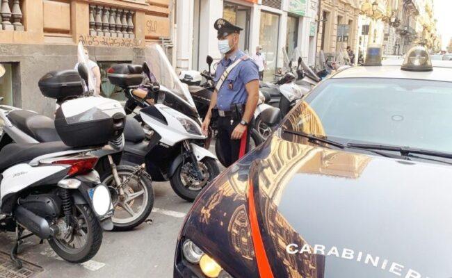 Catania, tenta di rubare un motorino ma viene bloccato da un carabiniere in pensione: nei guai 17enne