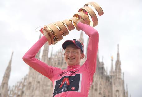 Giro d'Italia 2020, vittoria dell'inglese Tao Geoghegan Hart. Nibali si classifica soltanto settimo