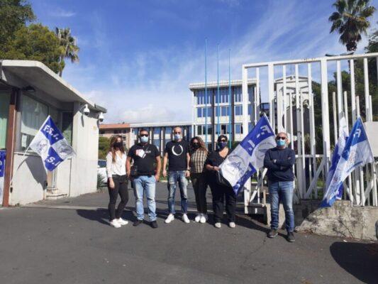 Licenziamento per 7 giovani della vigilanza dell'Istituto Bellini: sit-in dei sindacati davanti alla Città Metropolitana