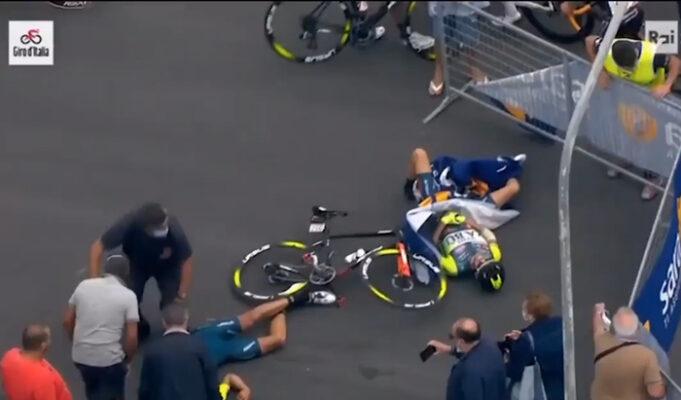 Giro d'Italia, a Villafranca Tirrena finisce nel peggiore dei modi: grave incidente per Luca Wackermann