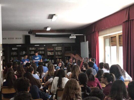"""Catania, un incontro con """"Lo Svagato"""" di Lina Maria Ugolini al Liceo classico """"Spedalieri"""""""