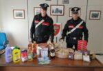 Razziano supermercati, rubano 40 blocchi di formaggio e derrate alimentari: denunciati 2 romeni