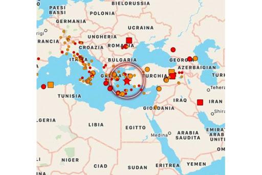 Terremoto Mar Egeo, salgono a 83 le vittime a Smirne: salvate altre 2 bambine e una 14enne