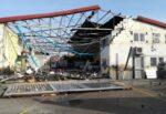 Maltempo Catania, la tromba d'aria e la conta dei danni: segnalati diversi crolli, attivato numero d'emergenza – FOTO