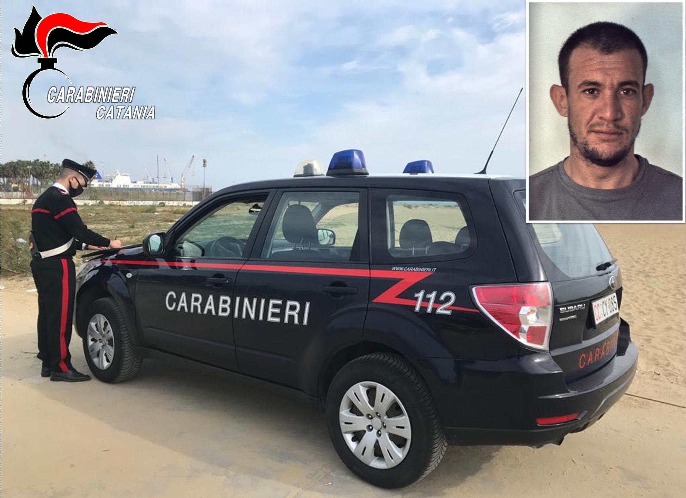 Catania, ruba zaino con smartphone e occhiali da sole alla Playa: arrestato il 30enne Giovanni Arena