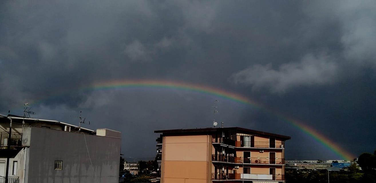 Meteo Sicilia, oggi lunedì burrascoso per Catania e Siracusa: le più colpite da temporali e rovesci – FOTO e VIDEO