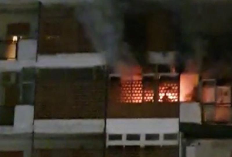 Incendio Palermo, paura in via Aspromonte: fiamme al decimo piano | VIDEO