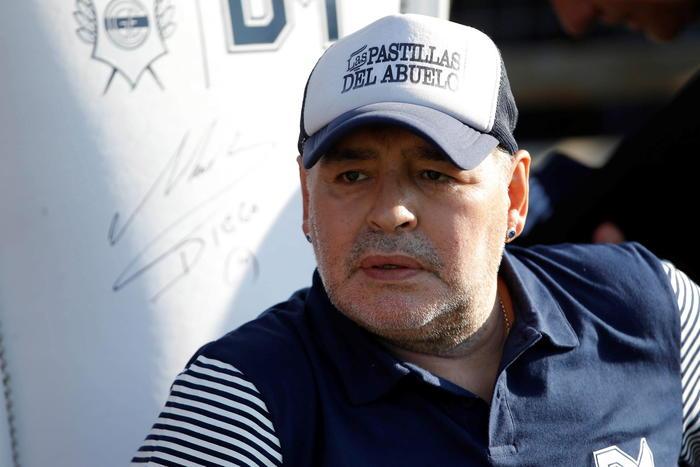 Choc nel mondo del calcio, morto Diego Armando Maradona: era stato operato recentemente