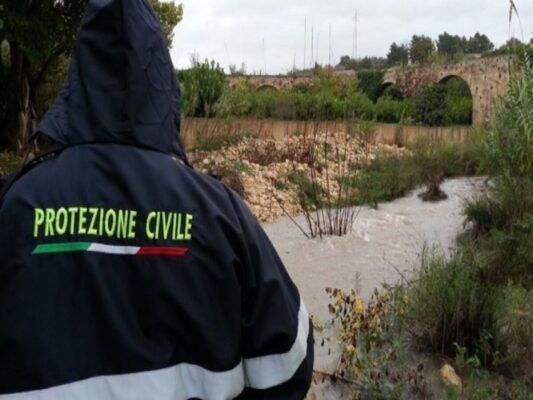 Maltempo Sicilia, non si ferma la conta dei danni: circonvallazione chiusa e famiglia costretta a evacuare a Solarino