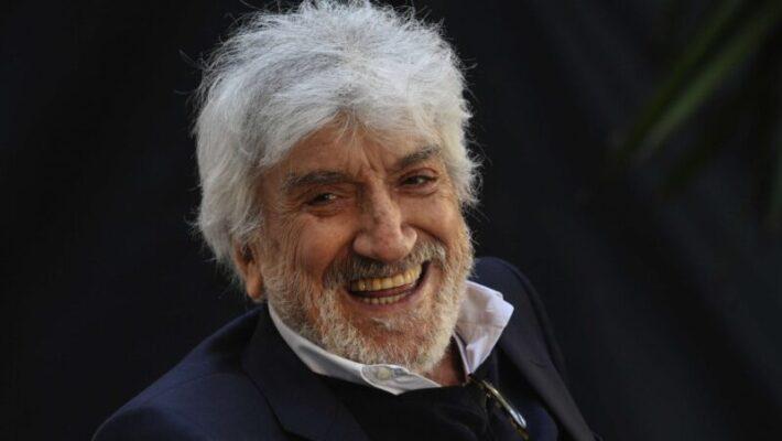 È morto Gigi Proietti, l'attore romano avrebbe compiuto oggi 80 anni