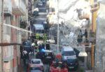 Crolla edificio di 2 piani, residenti lanciano allarme dopo forte boato: tragedia sfiorata