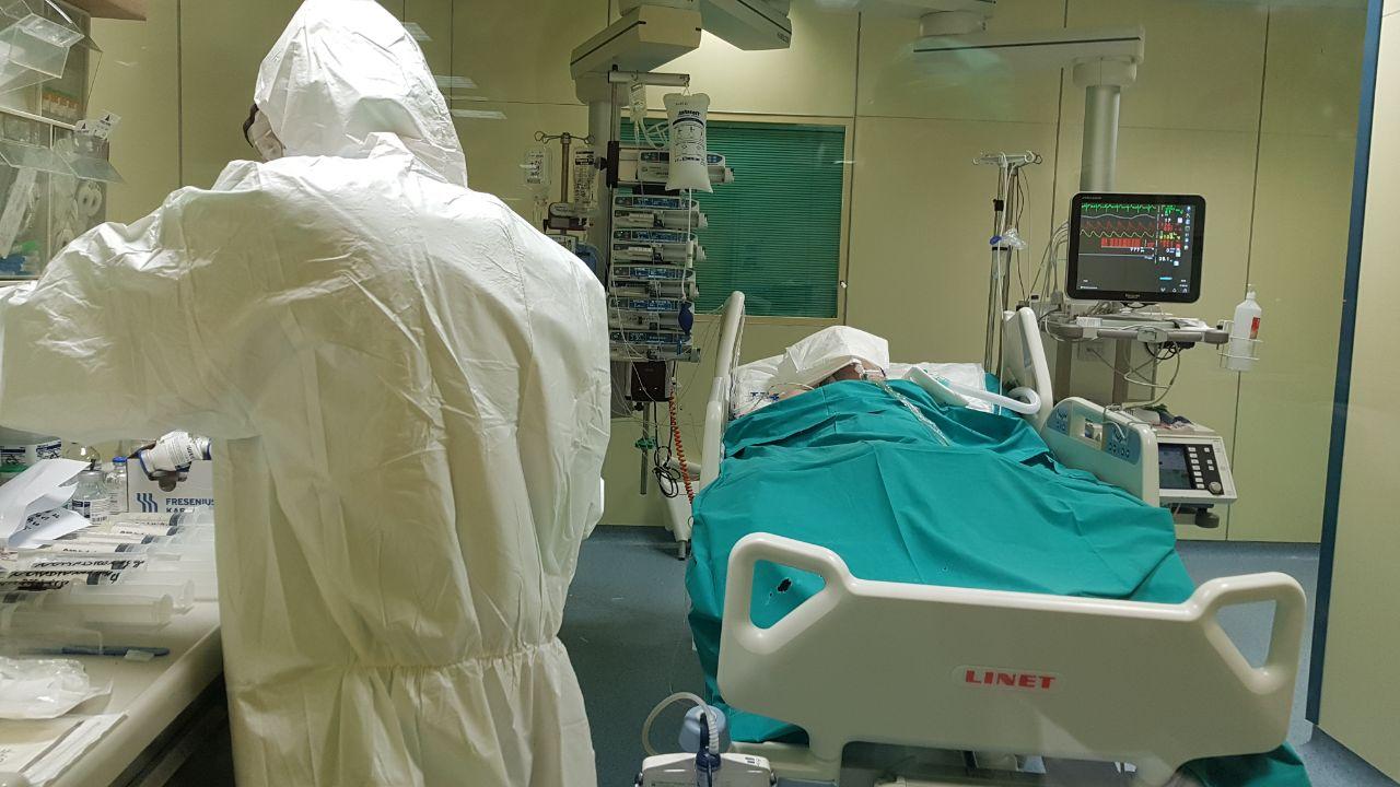 Covid Catania, al Pronto Soccorso per emorragia cerebrale risulta positiva: 60enne operata e ricoverata in Terapia Intensiva