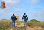 Casco, mascherina e taglierino: 40enne rapina una nota libreria del centro storico, arrestato