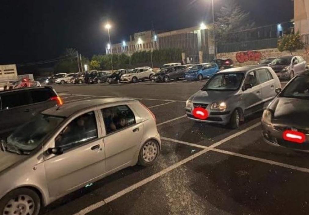Terremoto in Sicilia, tra paura e vecchi ricordi: in tanti decidono di trascorrere la notte in macchina