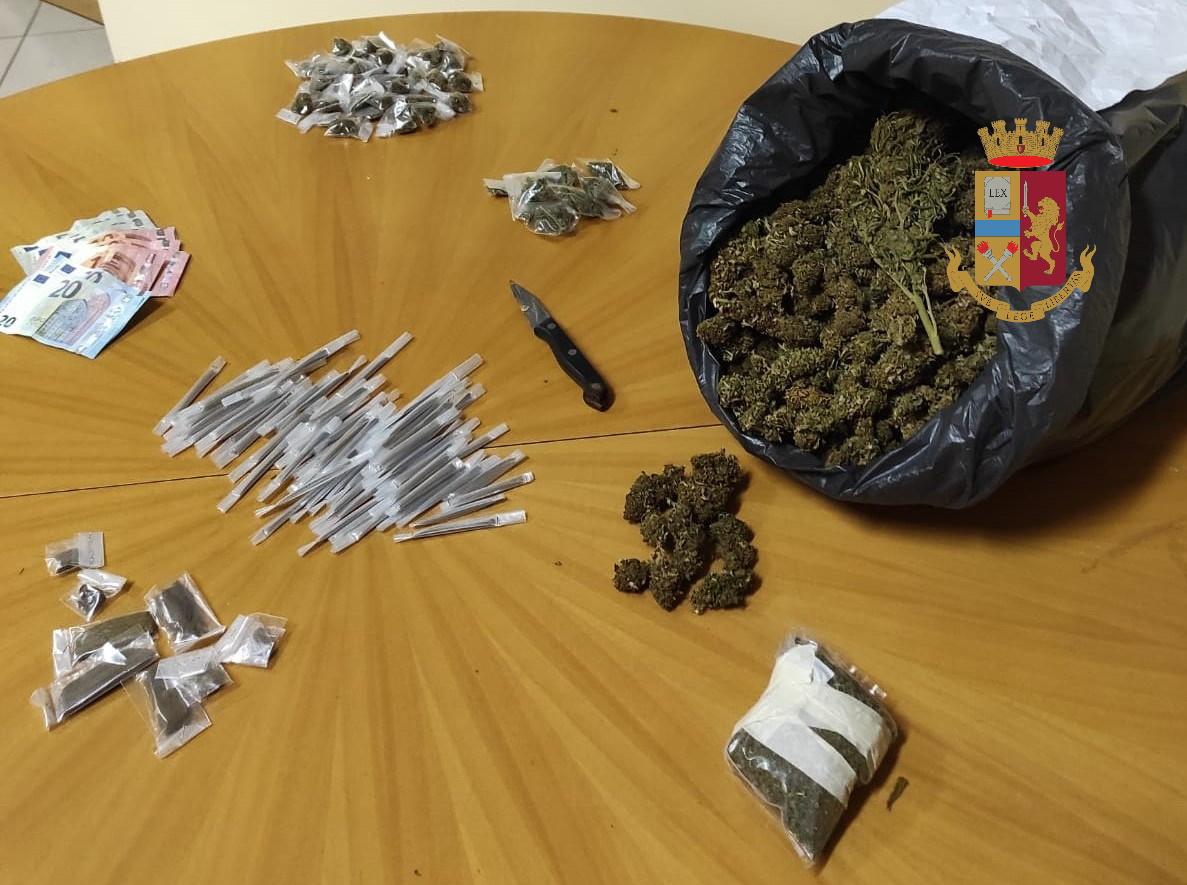 """Spacciatori sorpresi allo Zen, scoperta """"cassaforte"""" della droga: oltre 2 kg. di fumo in un furgone"""