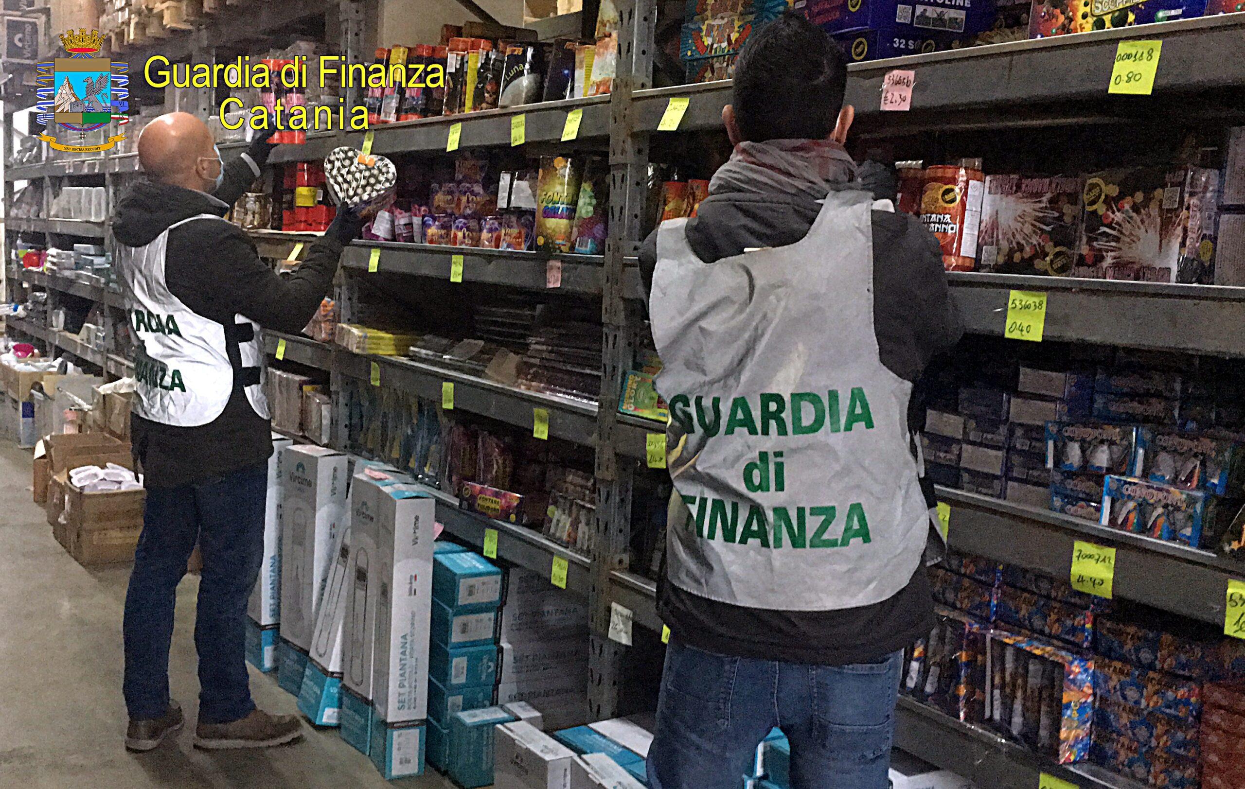 Misterbianco, i Finanzieri di Catania sequestrano oltre mille chili di artifizi pirotecnici: nei guai una cinese