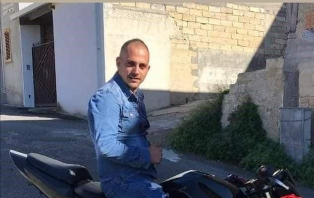 """Incidente nel Catanese, moto contro Fiorino: muore Ivan Zuccarello. """"Ti sei portato un altro pezzo del mio cuore"""""""