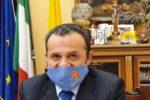 """Sicilia """"zona rossa"""", per De Luca non basta: ulteriori restrizioni anti-Covid, ecco l'ordinanza"""