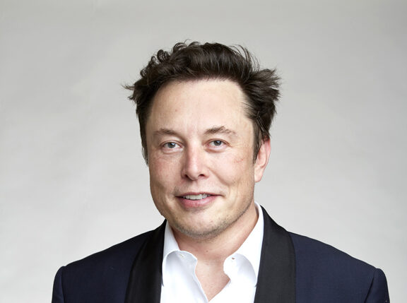 Elon Musk supera tutti e diventa l'uomo più ricco del mondo