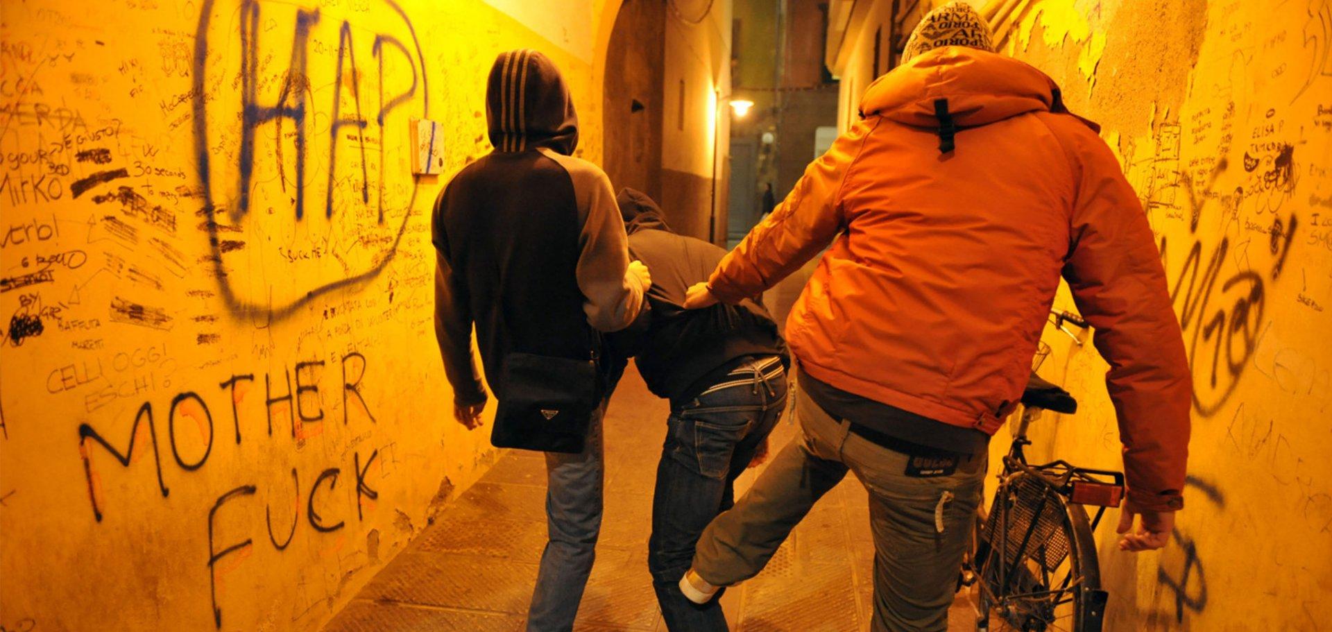 Risse e violenza tra adolescenti e giovani: segnali di un disagio psicologico da non sottovalutare