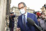 """Riduzione vaccini Covid, Musumeci sta con Conte e critica l'Europa: """"È questo che ci aspettiamo da Bruxelles"""""""