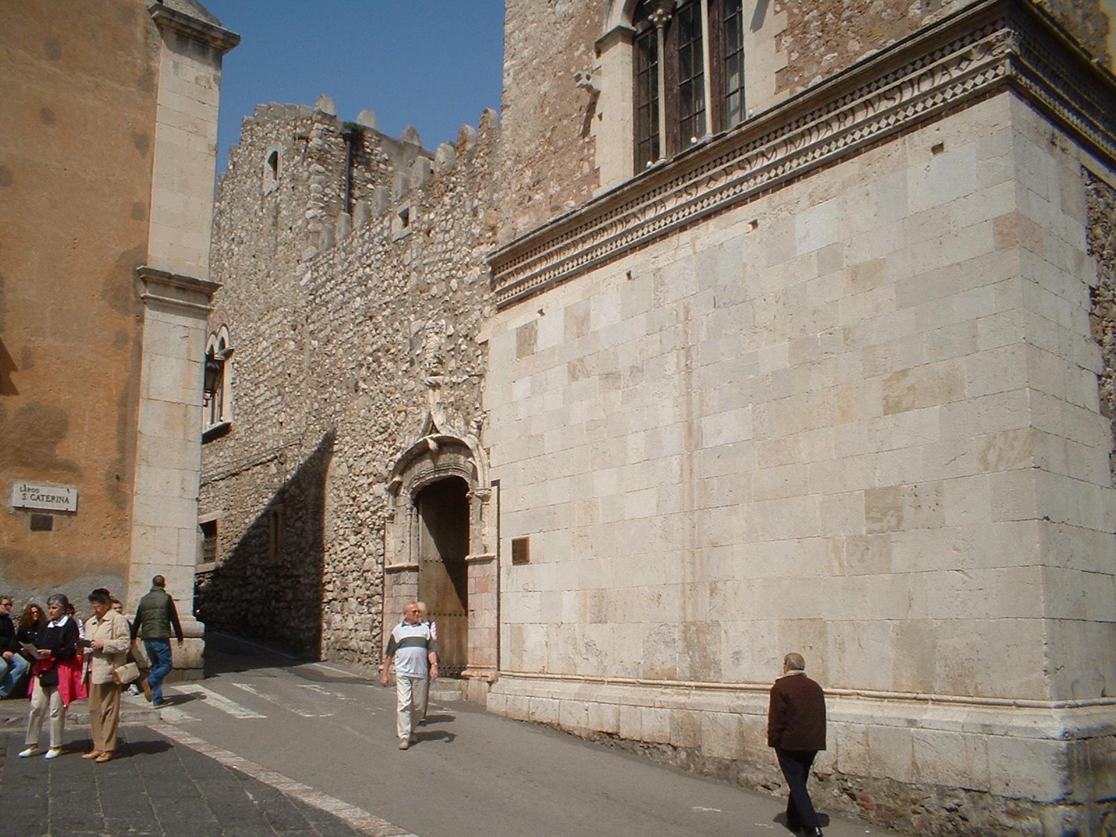 """Taormina, aggiudicati lavori ristrutturazione Palazzo Corvaja, Falcone: """"Segno produttività degli Urega"""""""