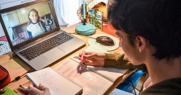 Scuola Sicilia, aggiornato portale regionale per la Dad: ecco novità e numero verde per l'assistenza