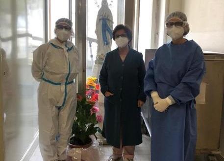 Coronavirus, dottoressa di Siracusa positiva dopo il vaccino: è ufficialmente guarita