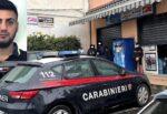 Giarre, assalto a bar-tabacchi con volto coperto e pistola in pugno: un arresto, si cerca il complice