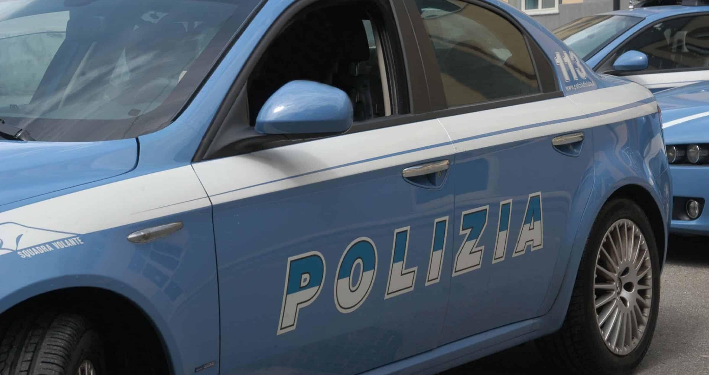 """Incidente al viale Mario Rapisardi a Catania, """"strano"""" impatto tra due auto: accertamenti in corso"""