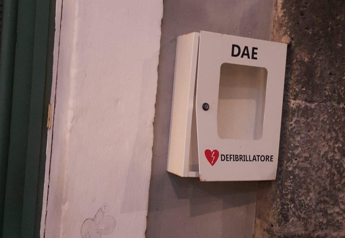 """Catania, rubato defibrillatore donato in ricordo di Raffaele Barresi. Il padre: """"Gesto vile e vigliacco, restituitelo"""""""