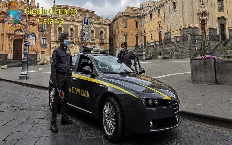 Catania, arrestati pubblici ufficiali per corruzione