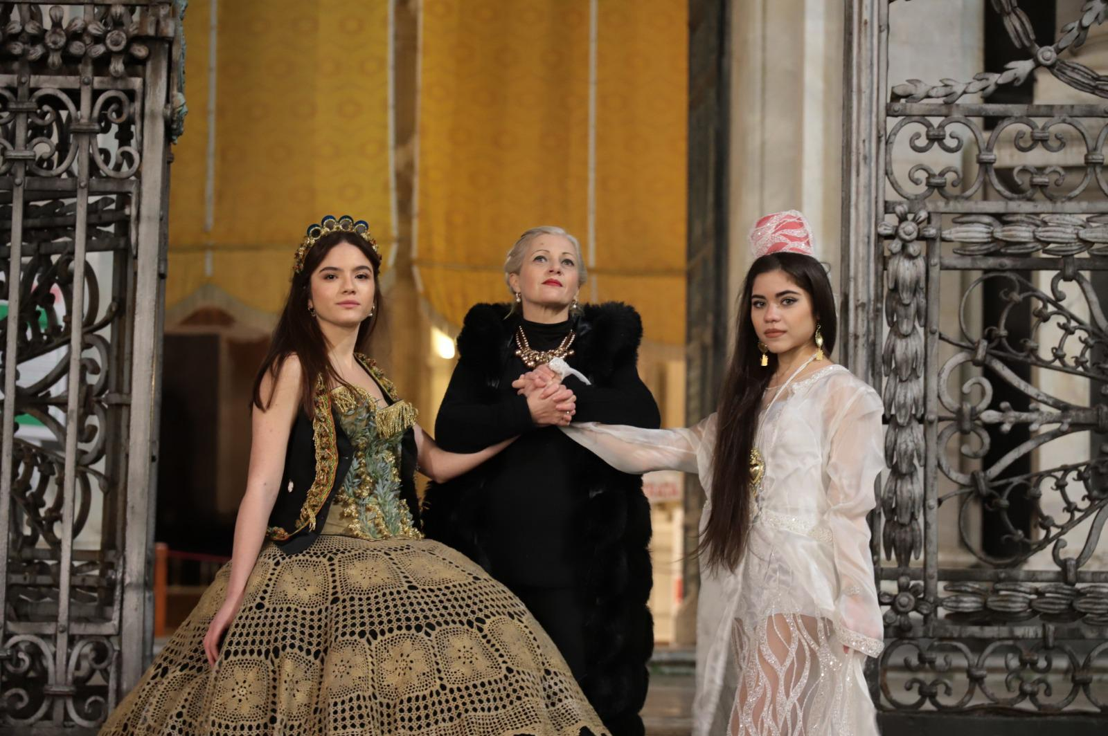 """Liliana Nigro e la sua """"CONTAMIN/AZIONE"""", la  XIX mostra di abiti e costumi teatrali dedicati a Sant'Agata"""
