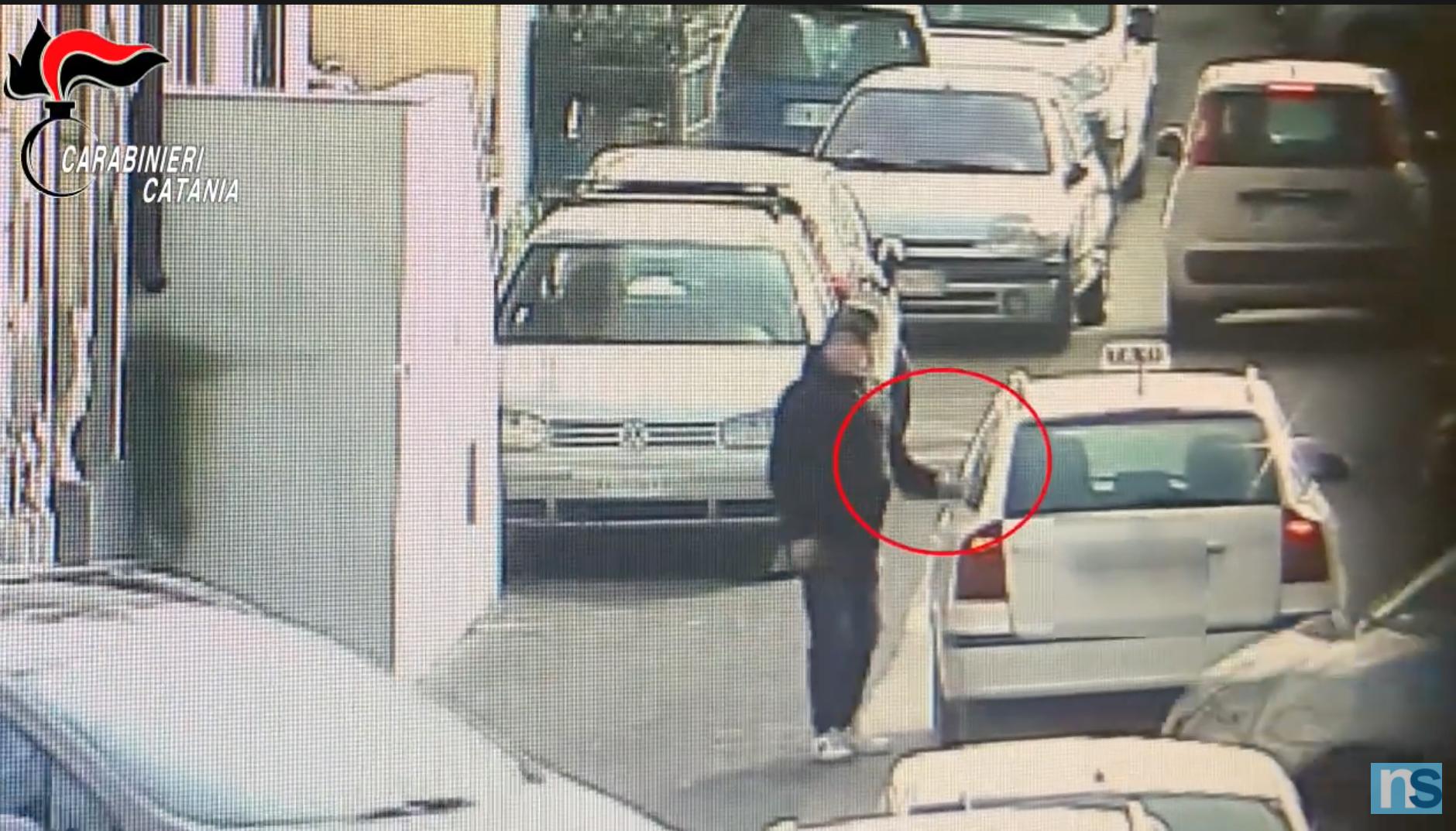 """Catania, blitz a San Cristoforo: droga """"a domicilio"""" e su """"ordinazione"""", 22 arresti – IL VIDEO"""
