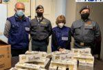 """Maxi sequestro al porto di Catania, ritirati 72 chili di sigarette """"Marlboro"""": scoperte 360 stecche"""