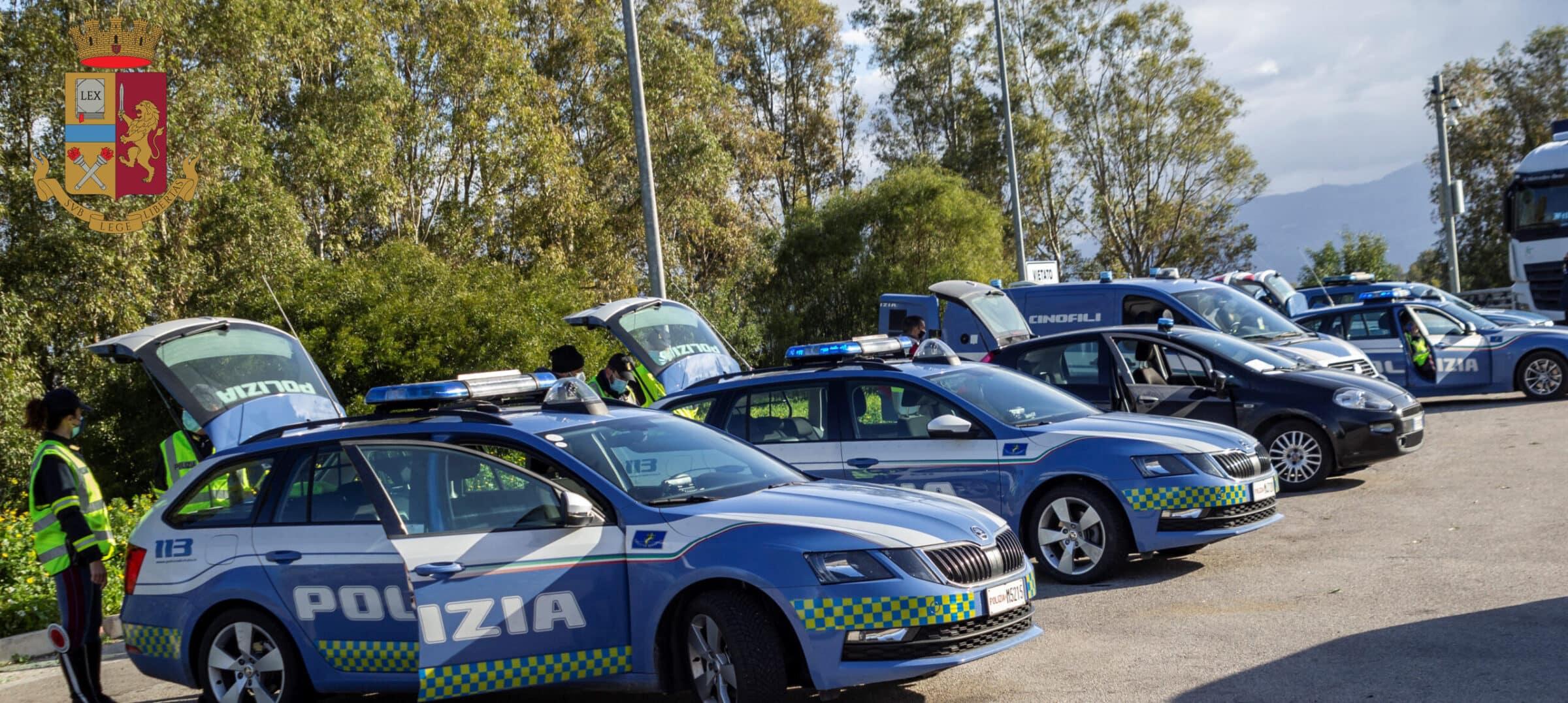 Sicilia zona rossa, posti di blocco in autostrada: 14 pattuglie, un elicottero e cani antidroga – I RISULTATI
