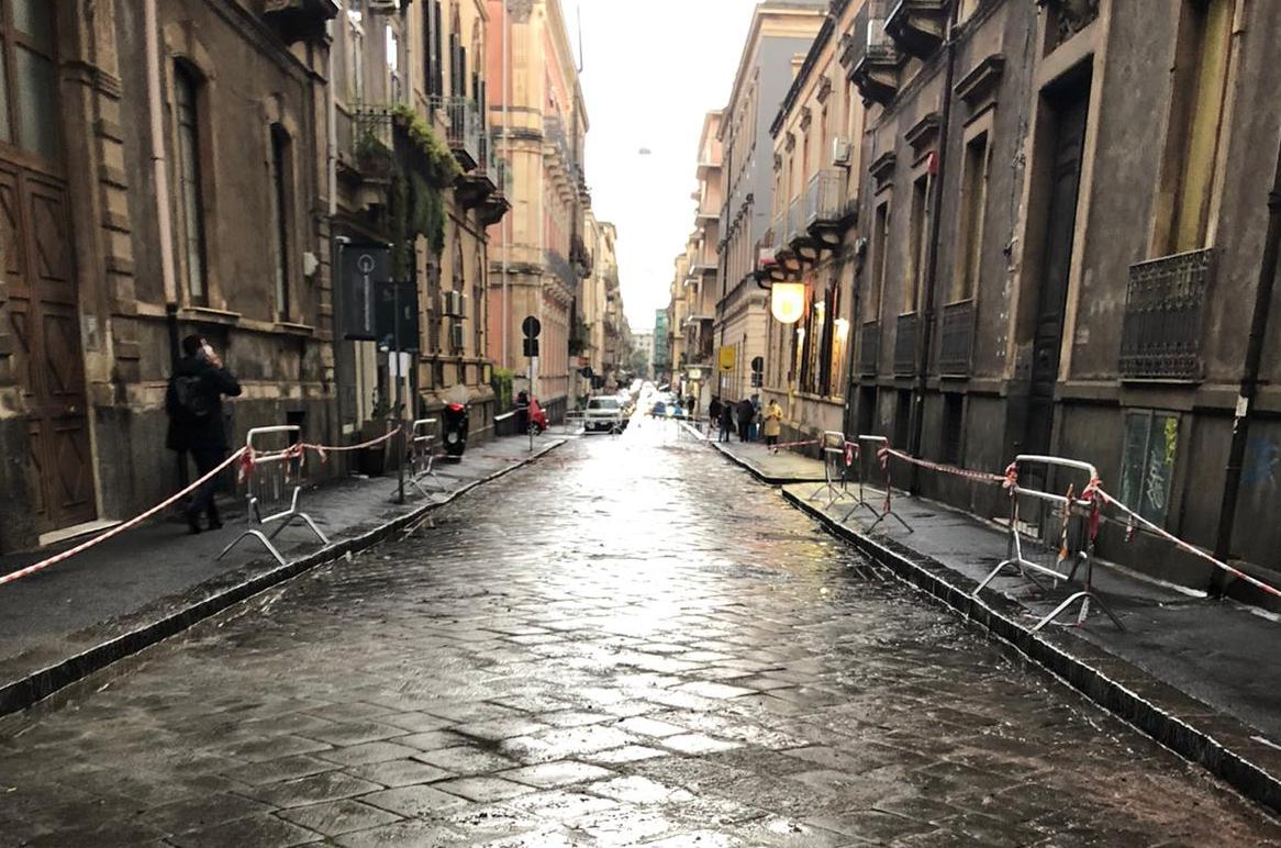 Catania, da lunedì riaperta al traffico via Musumeci: conclusi i lavori di rifacimento del basolato lavico