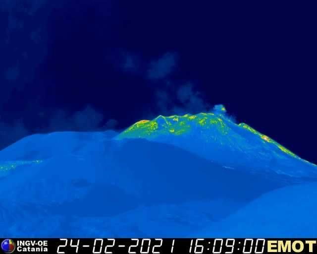 Etna, primi segnali di una nuova eruzione? Aumenta il tremore vulcanico, il BOLLETTINO dell'INGV