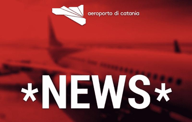 Etna in eruzione, emissione di cenere su Catania: chiusa la pista dell'aeroporto Fontanarossa