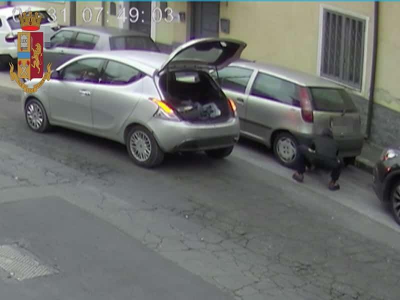 Da Palagonia a Catania per rubare il terminale di scarico di un'auto: denunciato pregiudicato 38enne