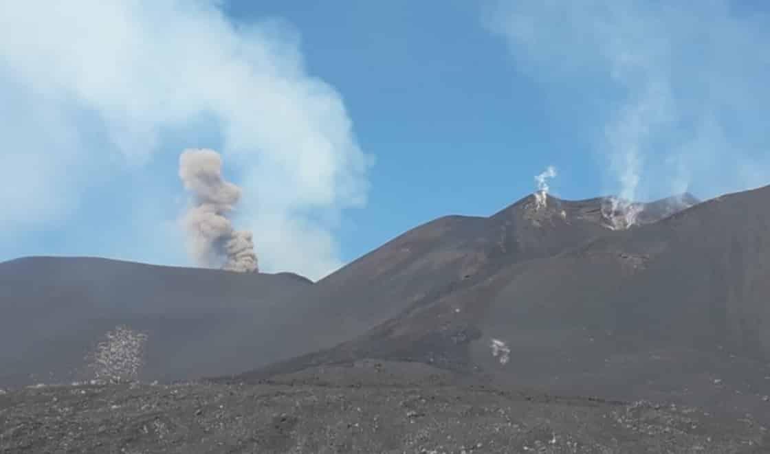 """Etna in eruzione, prosegue il monitoraggio degli esperti Ingv: """"Campionati i prodotti emessi la scorsa notte"""""""