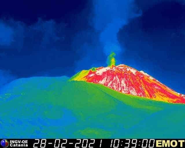 """Etna, """"ripresa dell'attività stromboliana e incremento del tremore vulcanico"""" – AGGIORNAMENTO Ingv"""
