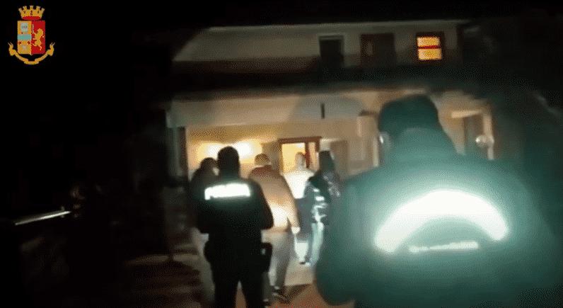 """Operazione """"Adrano Libera"""", i NOMI degli arrestati tra i Santangelo-Taccuni: traffico di droga ed estorsioni – DETTAGLI"""