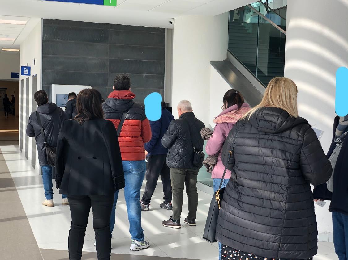 Covid Catania, assembramenti all'ospedale San Marco: la denuncia di un testimone