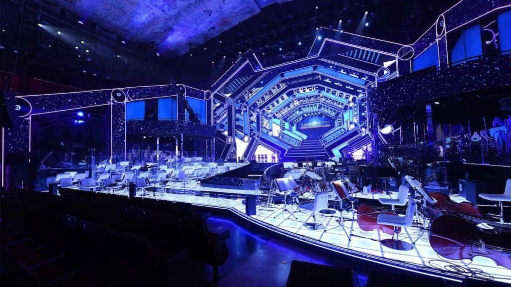"""Sanremo 2021, tutto pronto per il Festival della canzone italiana: """"un'astronave"""" come scenografia"""