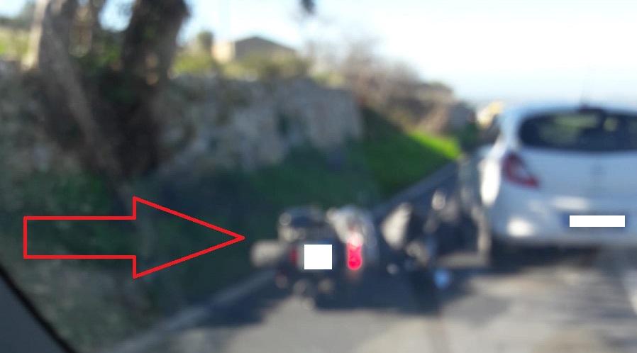 Schianto auto-moto sulla Strada Statale 115: un ferito, traffico bloccato e Polstrada sul posto
