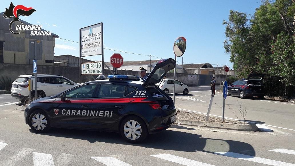 Verifiche dei carabinieri, controllate oltre una 70ina di veicoli e circa un centinaio di persone