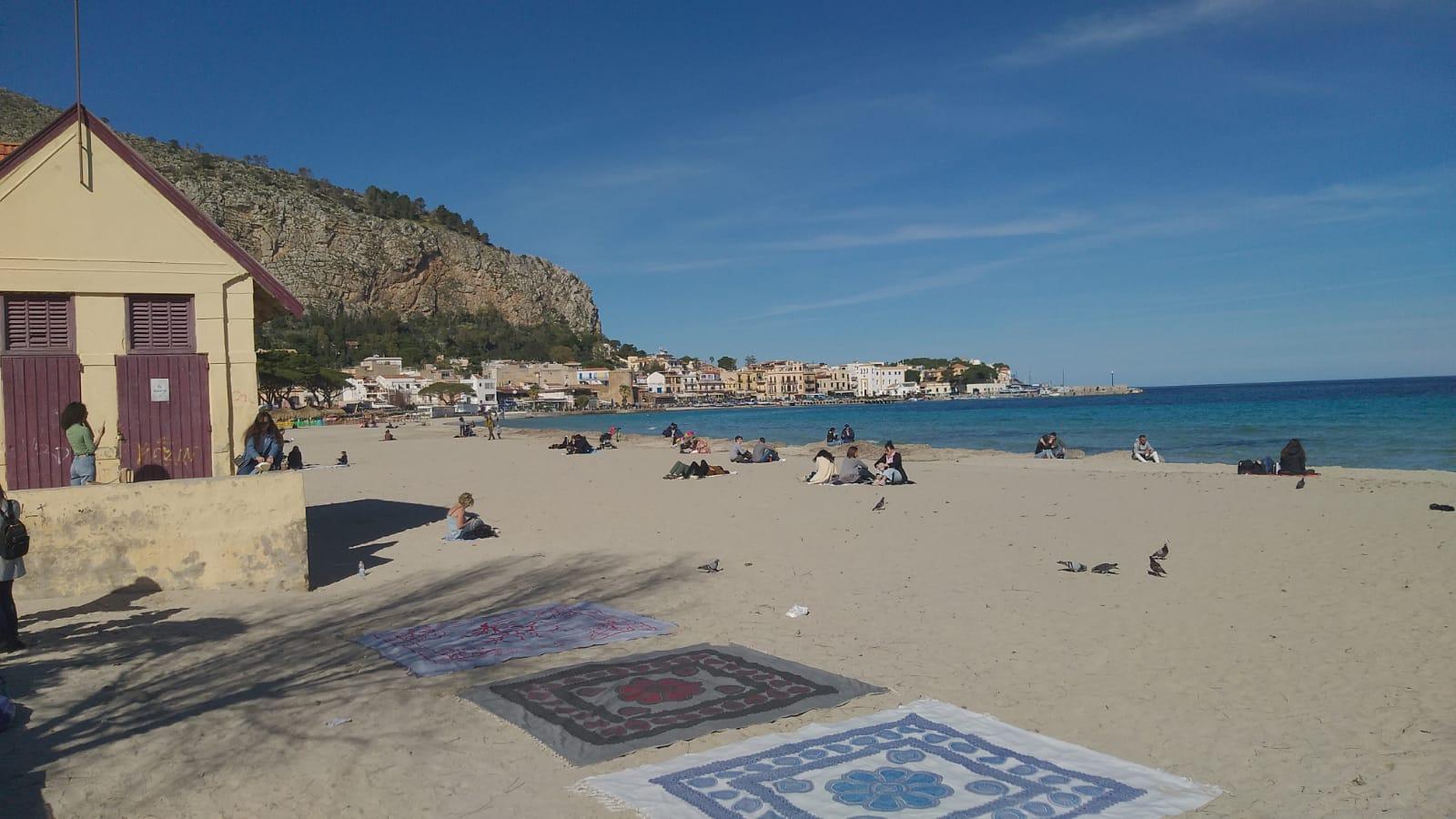"""Sicilia zona arancione, si """"festeggia"""" scappando a mare: piccola parentesi di felicità per respirare un po' di normalità"""