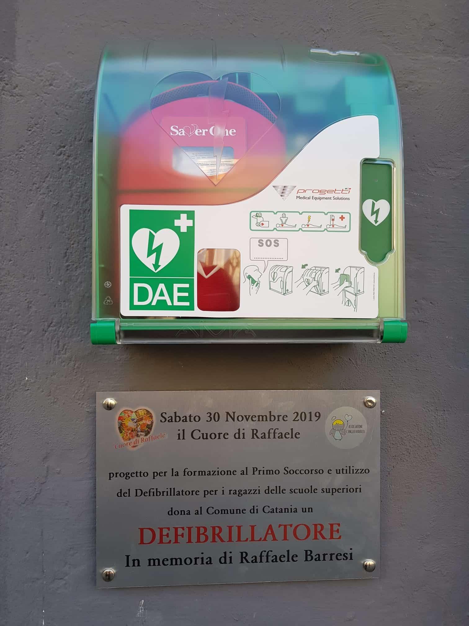 Catania, un altro defibrillatore in ricordo di Raffaele Barresi in piazza Bellini in sostituzione di quello rubato