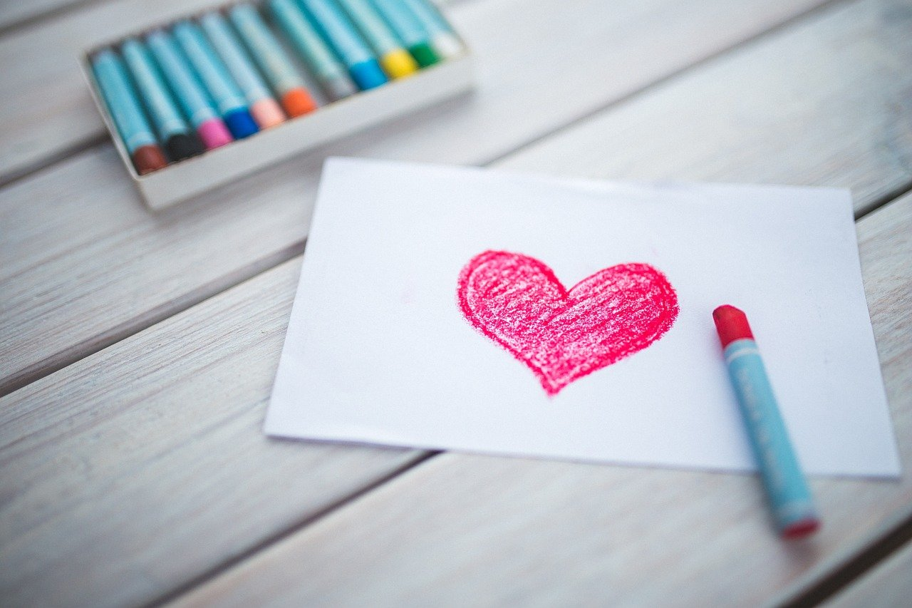 San Valentino, la storia e le frasi più belle per gli innamorati: l'amore ancora al centro della festa
